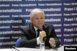 Скандал с прослушкой играет на руку Ярославу Качиньскому и его партии
