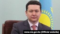 Олжас Абишев, вице-министр здравоохранения Казахстана. Фотография с сайта министерства здравоохранения Казахстана.