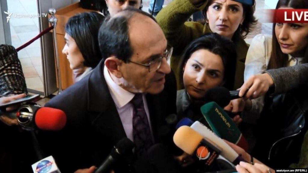 Нелогично говорить об урегулировании, если в переговорах не участвует одна из основных конфликтующих сторон – Шаварш Кочарян