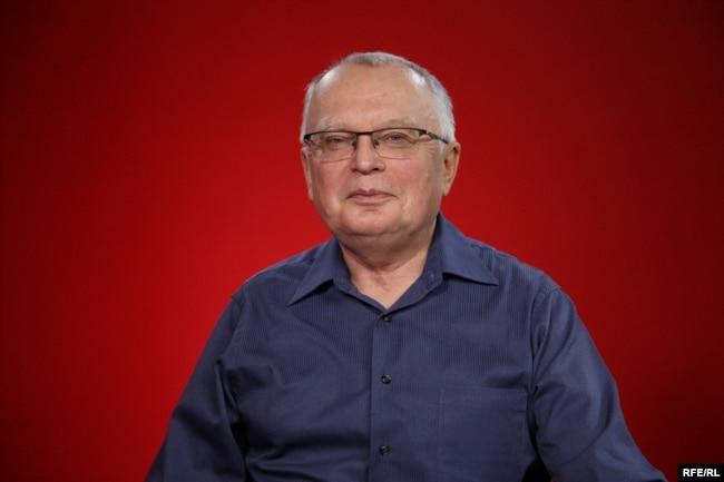 Профессор Василий Власов