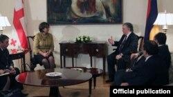 Էդվարդ Նալբանդյանի եւ Մայա Փանջիկիձեի հանդիպումը Երեւանում, 17-ը հունվարի, 2013թ.