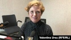 Larisa Secară în studioul Europei Libere la Chișinău