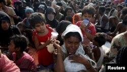 O femeie migrantă Rohingya refugiată în Indonezia