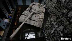 Радянський танк у «Будинку терору» в Будапешті