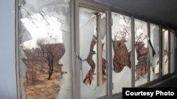حوزهنیوز این تصویر را که پیشتر در دی ماه سال گذشته با عنوان حمله به حوزه علمیه تاکستان منتشر شده، در خبر مربوط به حوزه علمیه اشتهارد بازنشر کرده است