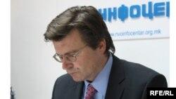 Зоран Талер на прес-конференција во Скопје
