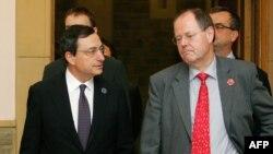 پر اشتایبروک وزیر دارایی آلمان( سمت راست) در نشست قبلی گروه 20