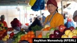 Шетпе базары. Шетпе, 22 сәуір 2012 жыл.