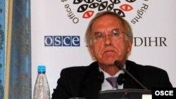 ЕҚЫҰ-ның Өзбекстандағы парламент сайлауына бақылау жасаған тобының басшысы Даан Эвертс.