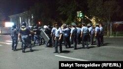 Бишкек в ночь с 8 на 9 августа.