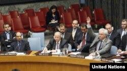 Посол Росії в ООН Віталій Чуркін голосує за припинення місії ООН з підтримання миру у Грузії, Нью-Йорк, 15 червня 2009 р.