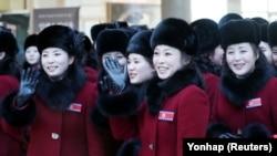 Болельщицы, направленные Пхеньяном на Олимпиаду в Пхёнчхан, прошли в Северной Корее строгий отбор. 7 февраля 2018 года.