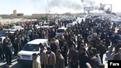 Angry farmers from the agricultural areas east of the provincial capital protesting in March and demanding an end to water diversion to Yazd.