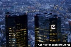 """Штаб-квартира """"Дойче банк"""" во Франкфурте"""