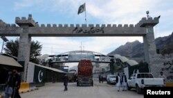 آرشیف، گذرگاه تورخم میان پاکستان و افغانستان