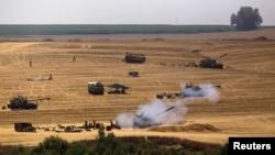 Ізраїльська артилерія обстрілює позиції «Хамасу» у Смузі Гази, 23 липня 2014 року