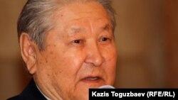 Бұрынғы Қазақ ССР Жоғарғы Советінің төрағасы, оппозициялық саясаткер Серікболсын Әбділдин.