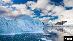 Антарктикадагы муздун эриши.