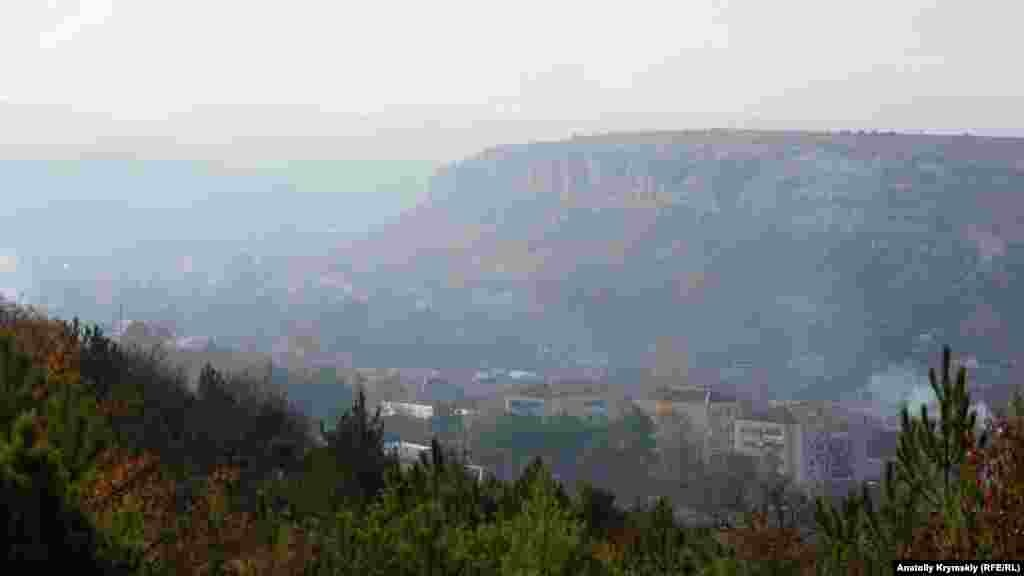 Вигляд з гори на село Красний Мак