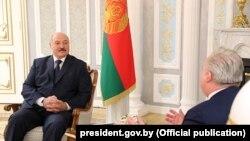 Președintele Alexander Lukașenko la întîlnirea cu Kent Härstedt