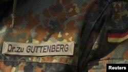 Германи -- Плагиаталлехь гучуваьлла Цу Гуттенберг емал веш махкахь даржийна сурт, 10Чил2010