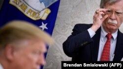 Джон Болтан і Дональд Трамп у Белым доме, травень 2019