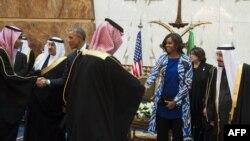 Барак Абама з жонкай у Эр-Рыядзе на сустрэчы з каралём Салманам