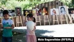 Организация Объединенных Наций призывает грузинских политиков, намеревающихся побороться за власть в стране, уделить внимание вопросу защиты прав детей