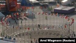 Флаги стран-участиниц Олимпиады в Пчёнчхане, 9 февраля 2018 года