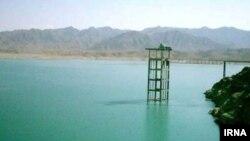 افغانستان حقابه ایران از رود هلمند را به دریاچه هامون سرازیر میکند