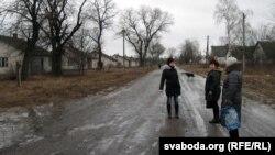 Бальшыня дамоў у Жураўлёўцы разбураецца бязь гаспадароў