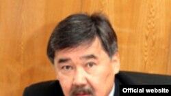 Құрманбек Бакиев тұсында Қырғызстан президенті әкімшілігінің басшысы болған Медет Садырқұлов.