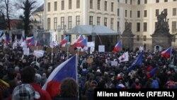 Учасники антимусульманського мітингу в Празі, 6 лютого 2016 року