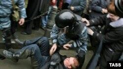 Несмотря на запрет федерального руководства, петербургское отделение «Яблока» присоединилось к Маршам несогласных