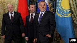 Бажы биримдигине кирген Беларус, Орусия, Казакстандын лидерлери