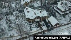 Маєток родини голови Запорізької облдержадміністрації Костянтина Бриля під Києвом