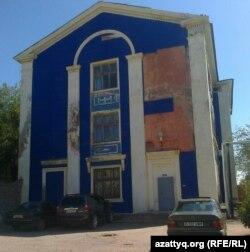 Здание психдиспансера в городе Балхаш в Карагандинской области. 16 августа 2013 года.