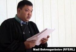 Ерик Кузембаев, судья административного суда Алматы. 28 июня 2012 года.