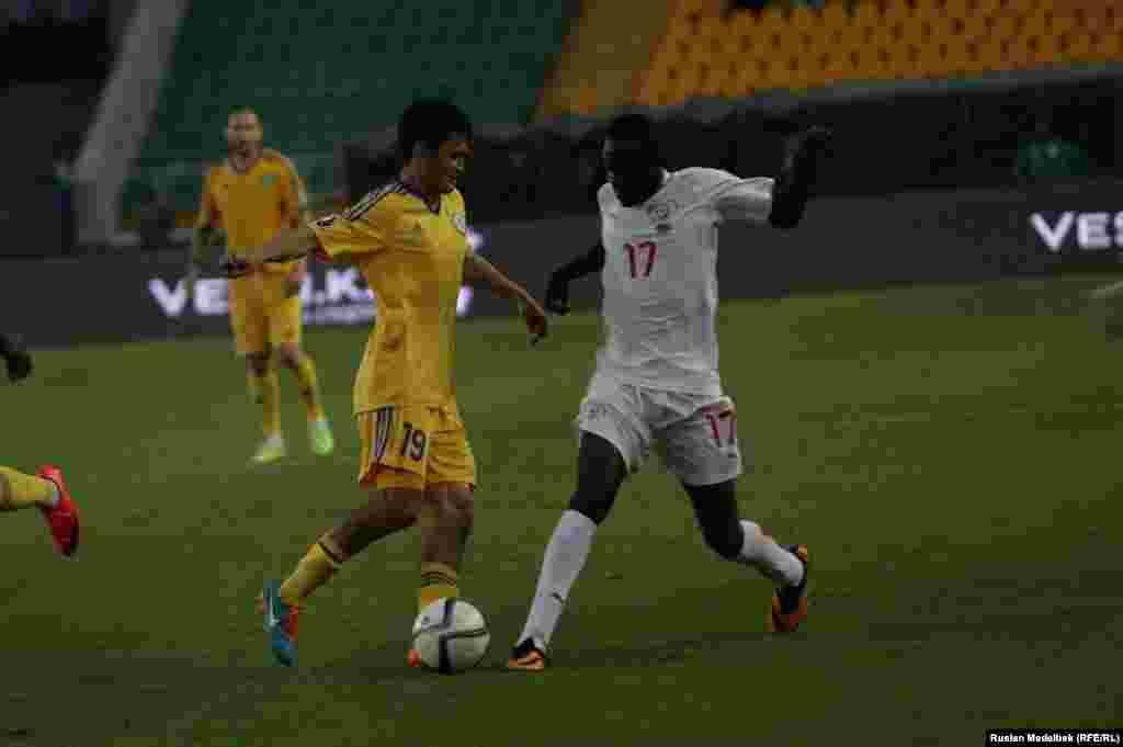 Қазақстан өз тарихында екінші рет Африка елімен матч өткізді. Алғаш рет 1992 жылы Қазақстан Ливиямен жолдастық матч ойнап, 1:0 есебімен жеңген.