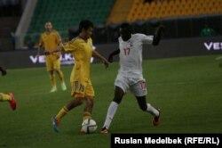 Матч между командами Казахстана и Буркина-Фасо. 12 мая 2015 года.