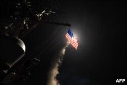 Кадры запуску амэрыкансіх ракетаў па базе Асада