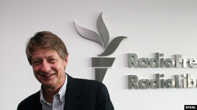 O'Rourke at RFE/RL broadcast headquarters in Prague