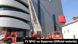 Проверка МЧС в торговом центре в Улан-Удэ (архивное фото)