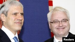 Croatian President Ivo Josipovic (right) meets with his Serbian counterpart, Boris Tadic, to discuss further reconciliation measures in Zagreb.