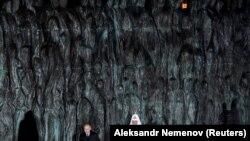 Володимир Путін і патріарх РПЦ Кирило на відкритті меморіалу, Москва, 30 жовтня 2017 року