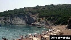Jedna od petrovačkih plaža, foto sa sajta petrovacnamoru.net