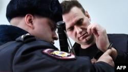 Aleksey Navalnı martn 30-da saxlanmışdı
