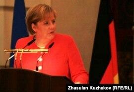 Германия канцлері Ангела Меркель қазақ--неміс бизнес-форумында. Астана, 18 шілде 2010 ж.