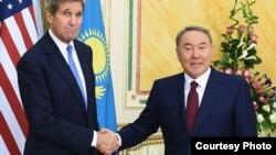 Керри и Назарбаев