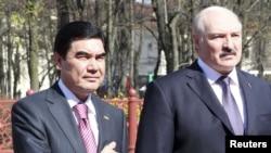 Президенты Туркменистана и Беларуси Гурбангулы Бердымухамедов и Александр Лукашенко